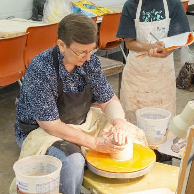 Ceramics arts legend retires from Hood College