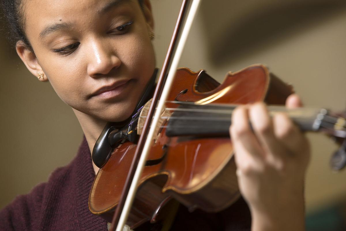 DG Violinist 2