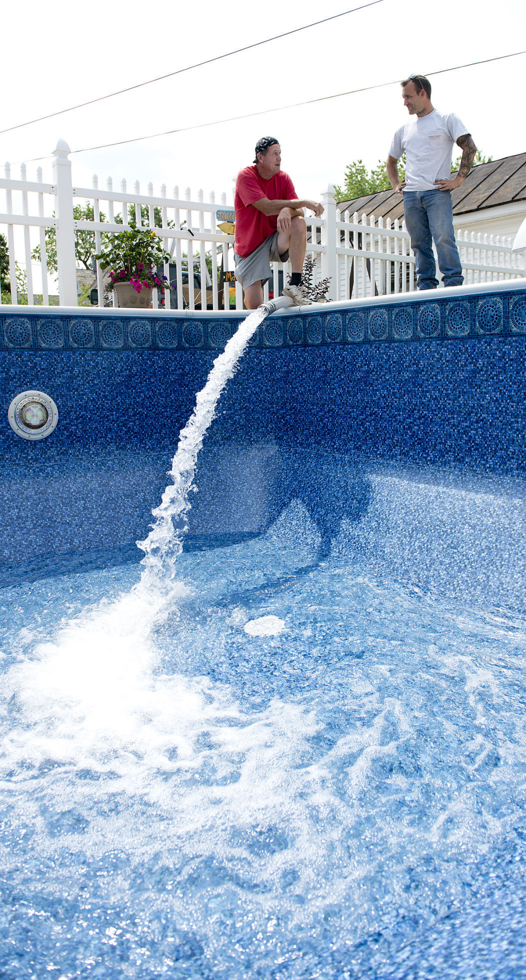 Backyard pools can become at home vacation spots economy for Swimmingpool billig
