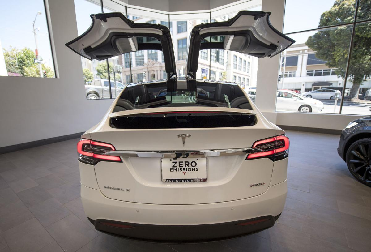 Tesla 39 S Model X Misses Out On America 39 S Voracious Suv
