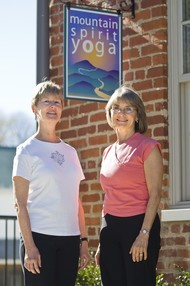 Middletown yoga class promotes cancer recovery