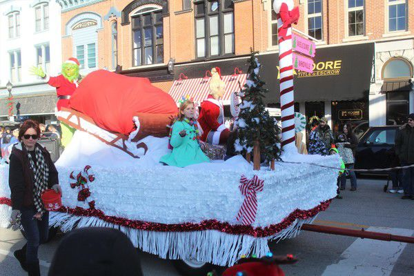 Frankfort gets into the Christmas spirit