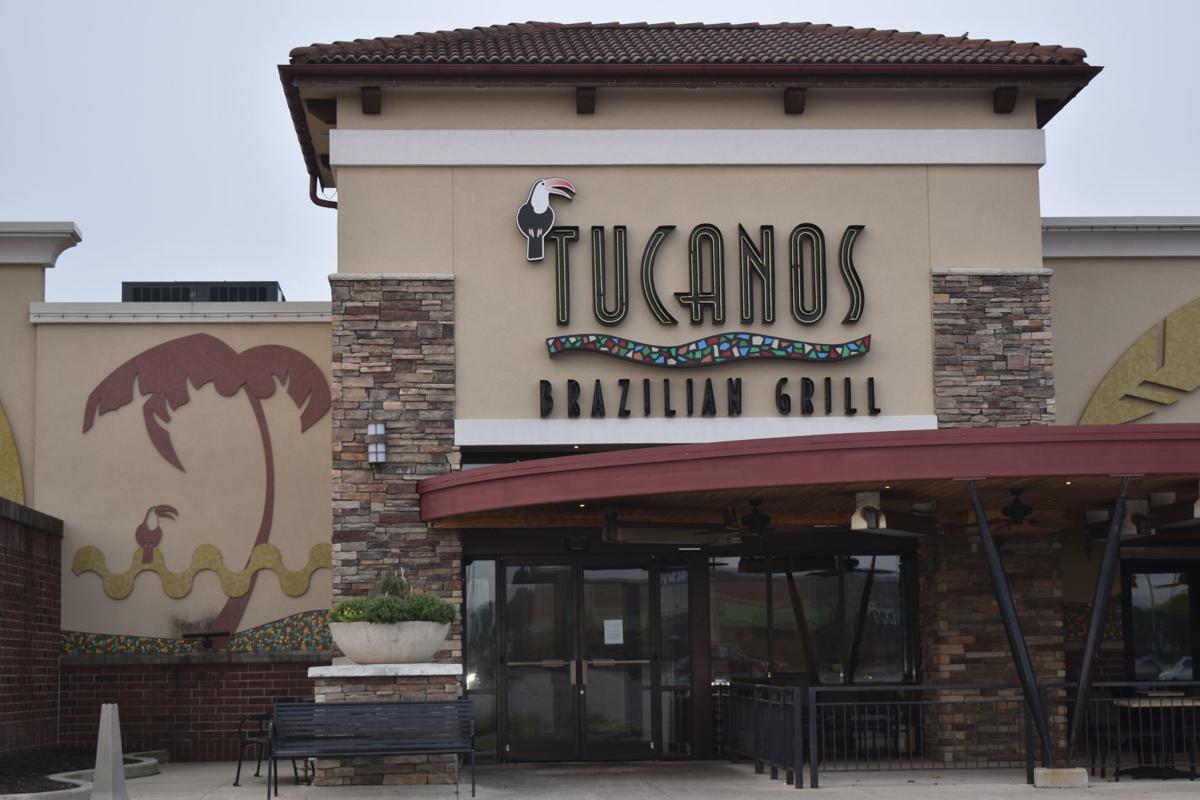 Tucanos closes