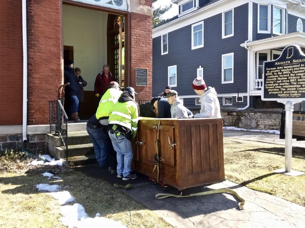 Ligonier Fire Department helps move case from temple