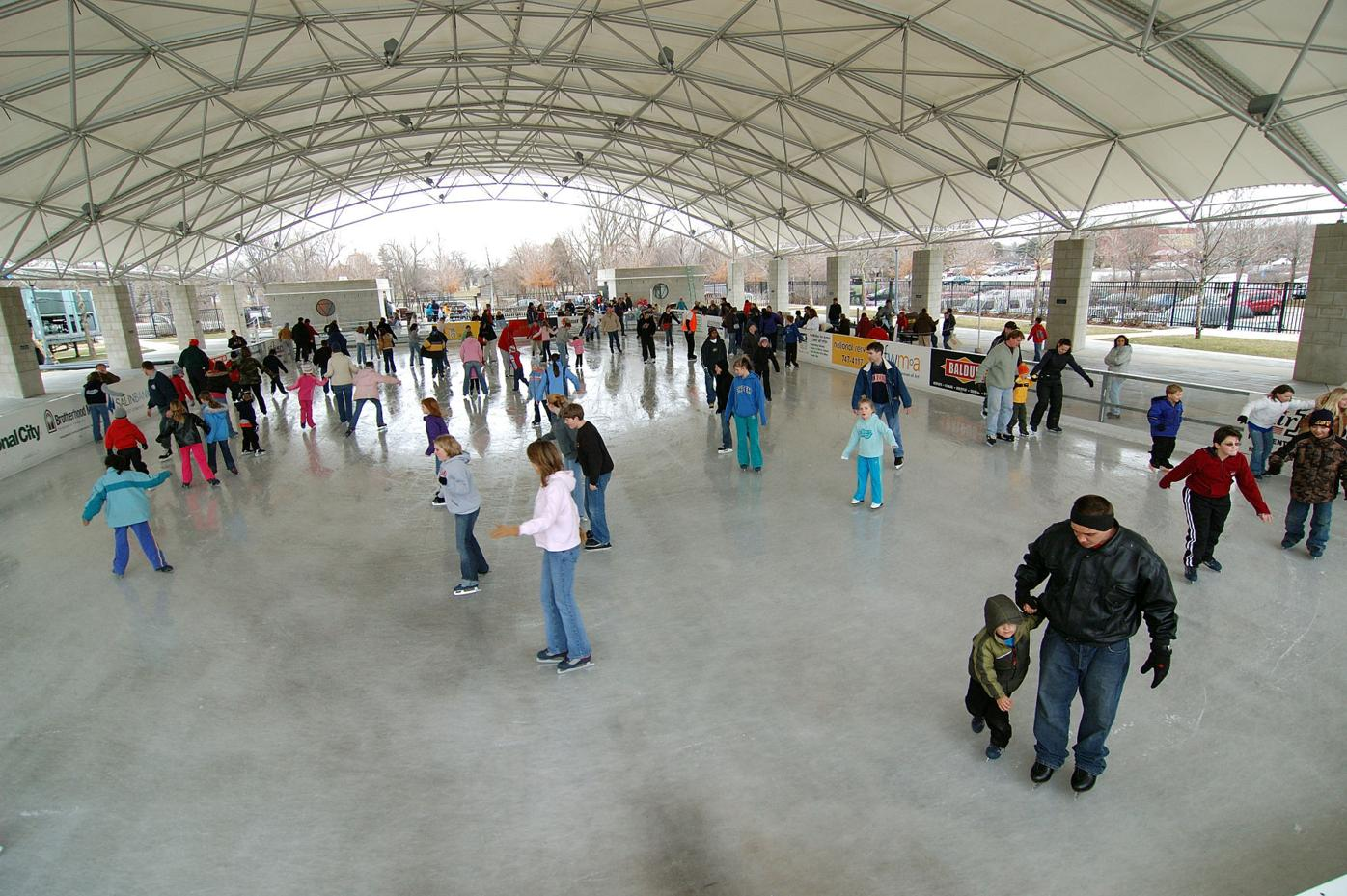 Headwaters rink crowd
