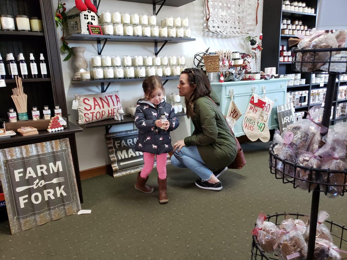 Grabill & Leo Holiday Shop Hop