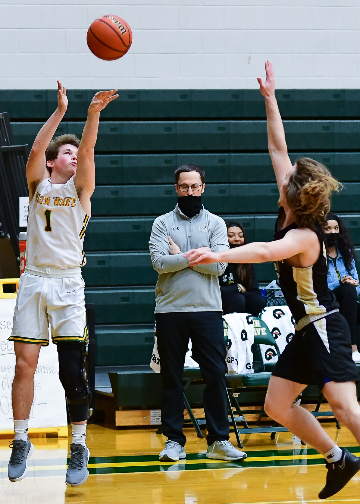 Ty Martin finished 8-11 from 3-point range against Mt. Juliet.jpg