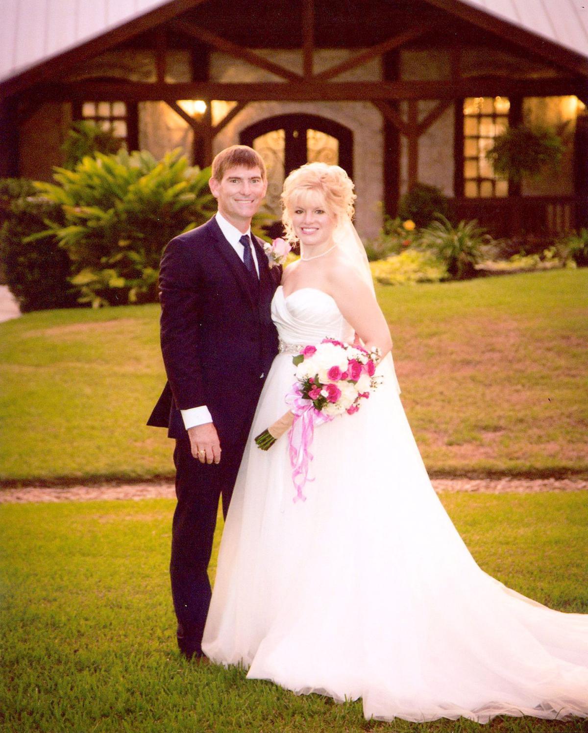 Leigh Ann Woitena Weds  David Cates