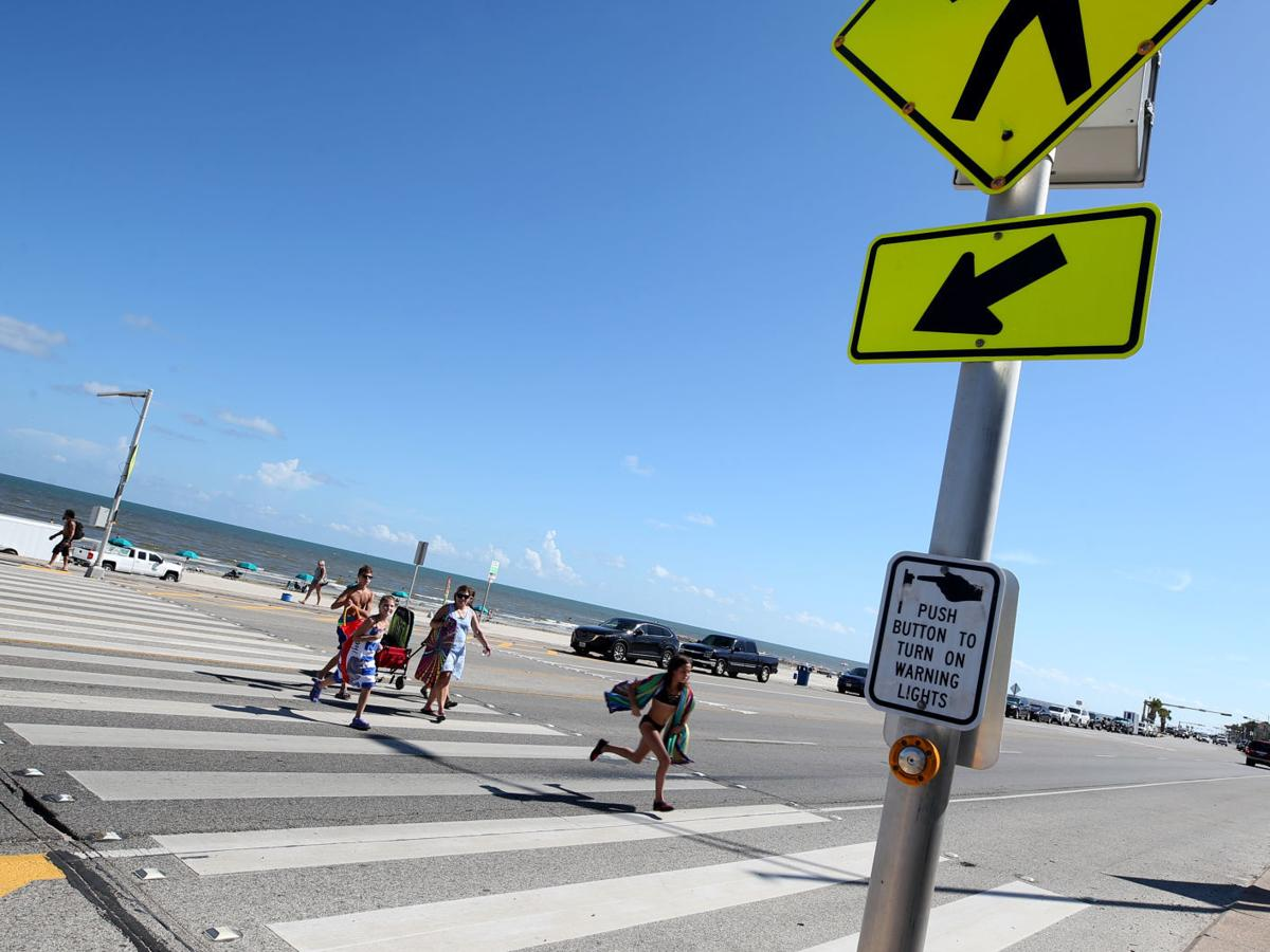 Problems, but not crashes, plague Galveston's Seawall crosswalk