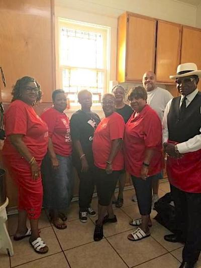 Galveston County Black Nurses Association gives back