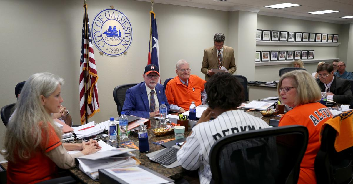Galveston council shows support for Astros