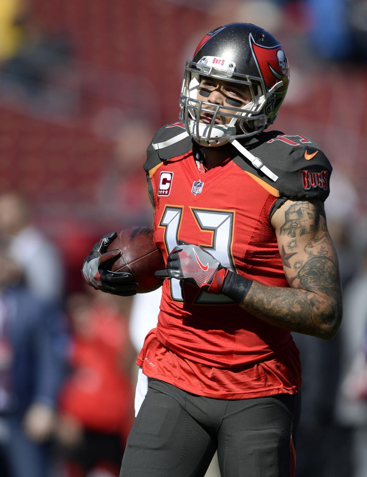 Mike Evans launches foundation, plans to help ...