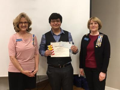 DAR presents Good Citizen Award to local student