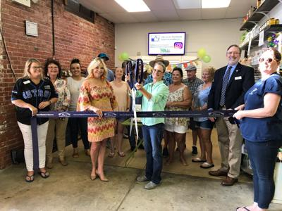 Go Nuts & Beans ribbon-cutting