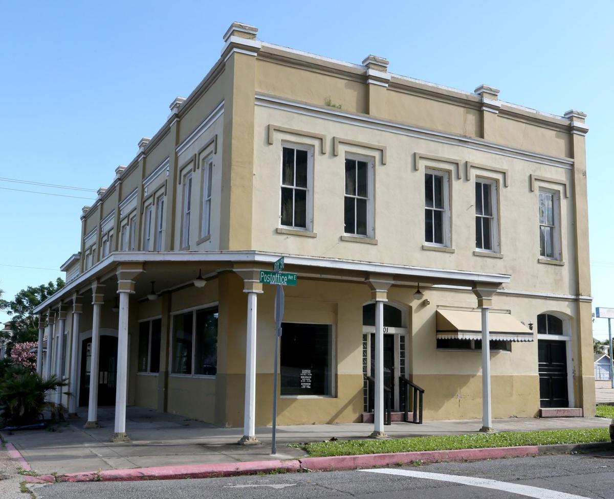 Old Farley Girls, Buck's building emptied
