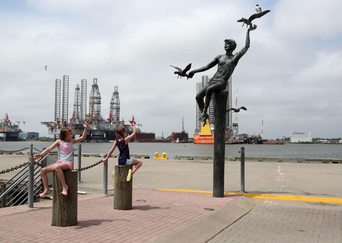 Tourists on The Strand