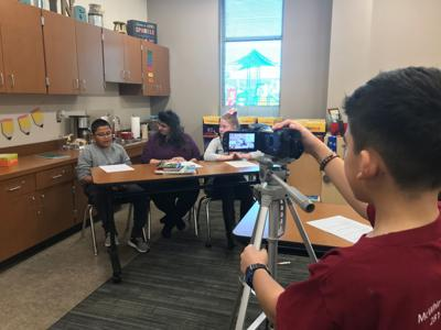 News club students keep up with current events