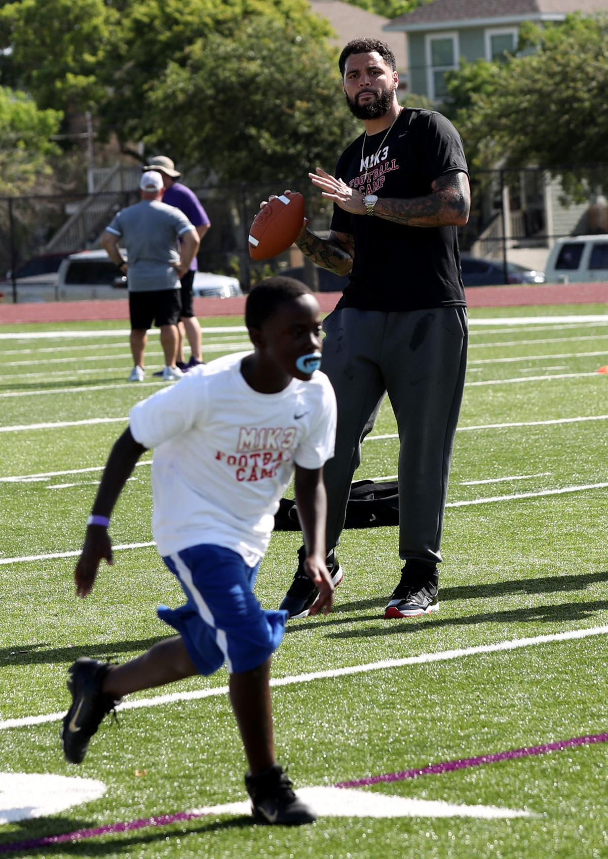 Mike Evans' free football camp