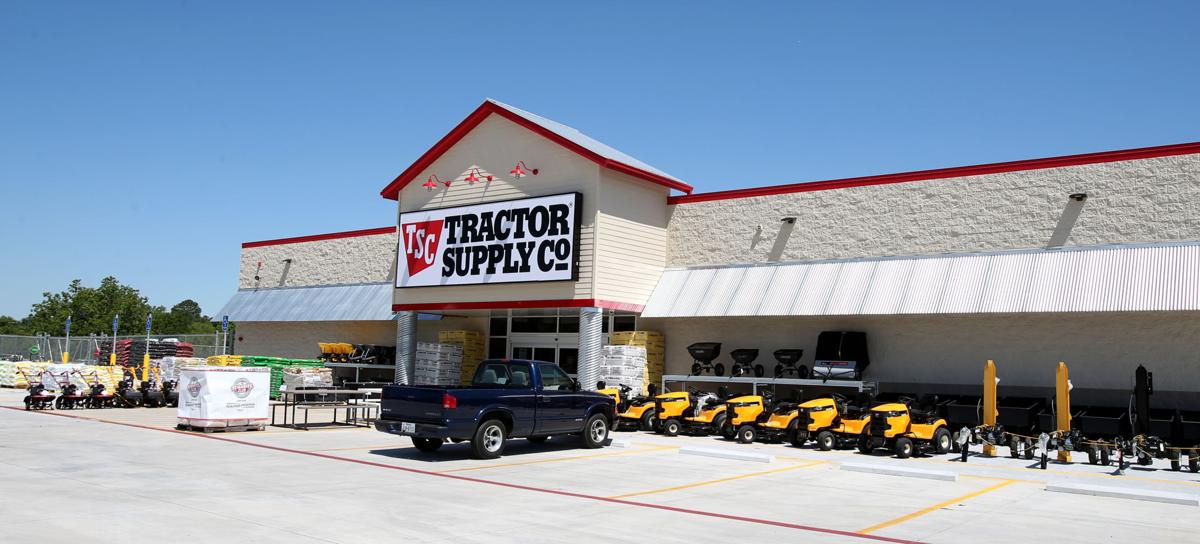 New Tractor Supply open in Santa Fe
