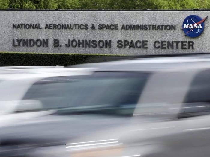 NASA employees head back to work