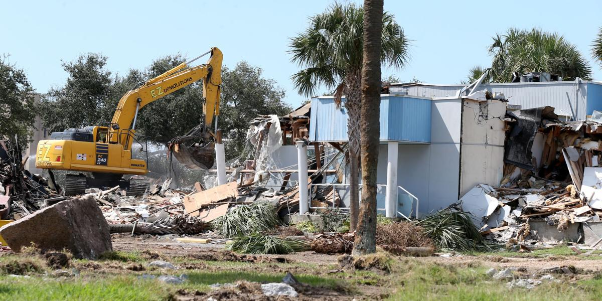 Yacht Basin clubhouse demolished