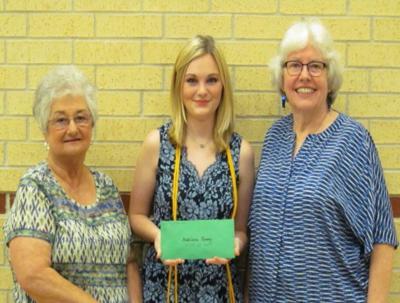 Texas City Garden Club awards scholarship