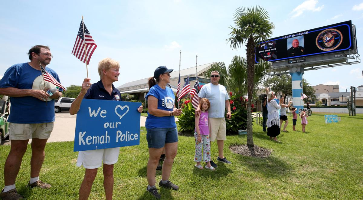 Procession for Kemah police chief