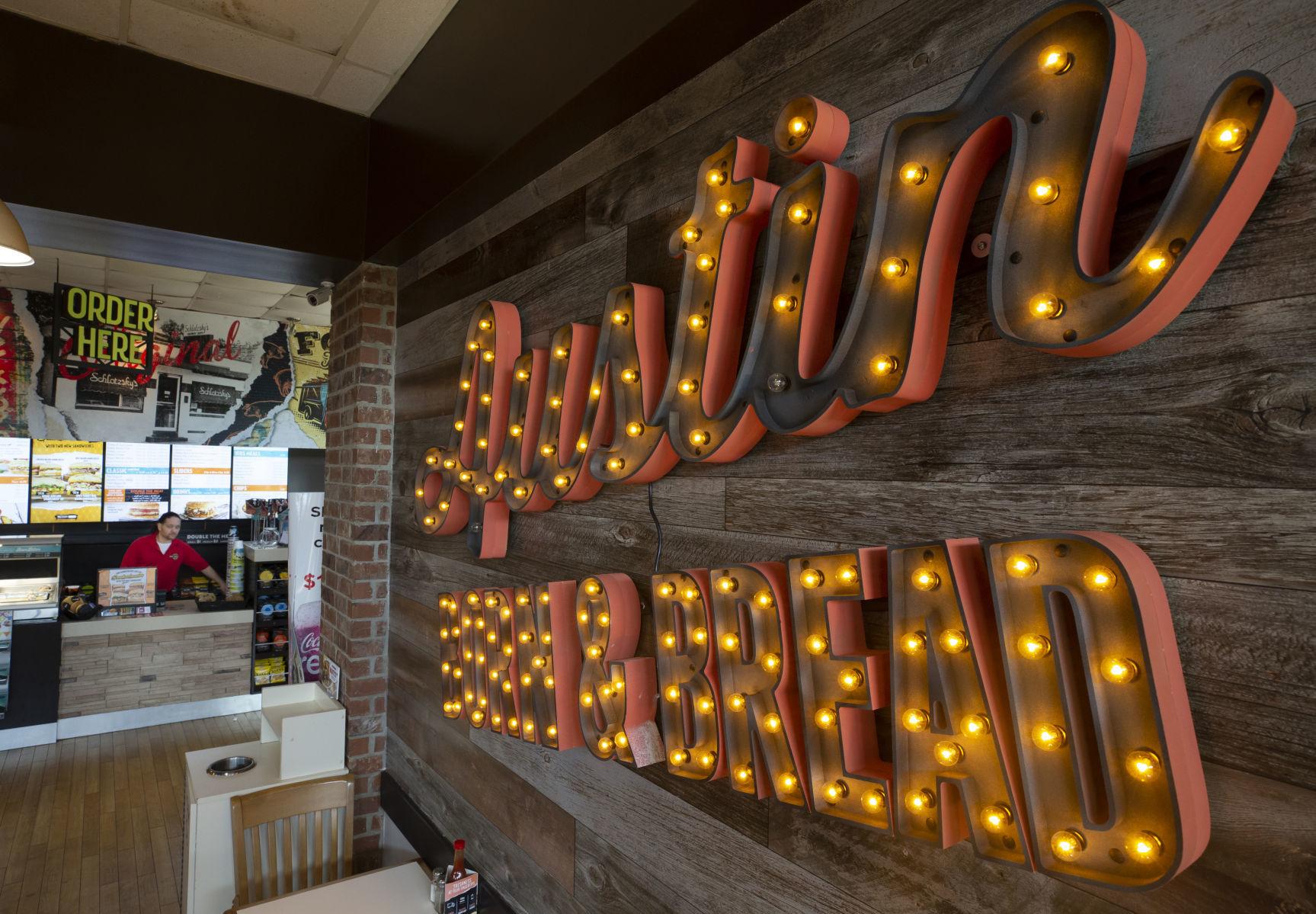 Shrimp 'N Stuff makes a move; Schlotzsky's returns to its Austin roots