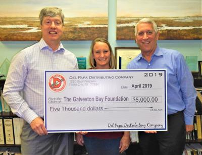 Del Papa Distributing donates to local foundation