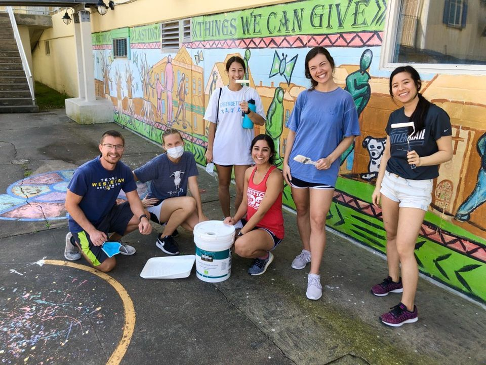 UTMB students donate their time to St. Vincent's