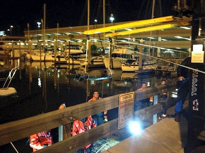 Submerged device prompts evacuations in Kemah