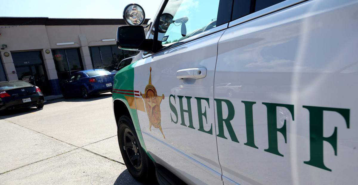 Sheriff's department raids Bacliff gameroom