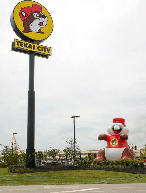 Buc ee 39 s opens in texas city free news the daily news for Garage ad buc