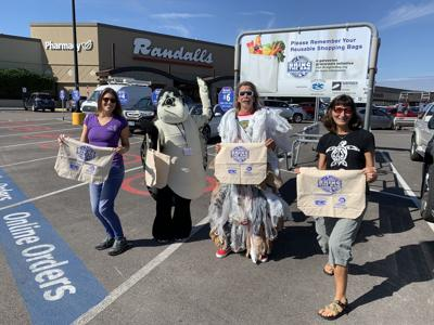 'Bring the Bag' campaign kicks off at Randalls