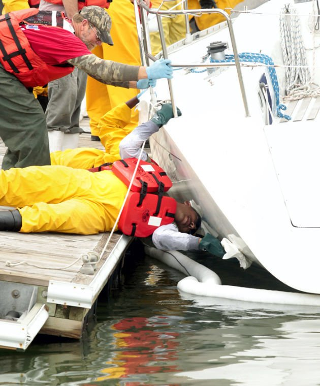 Decontaminating boats