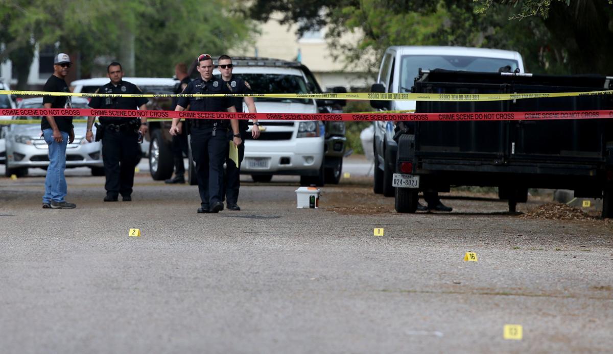 Police seek help identifying body found near 38th St