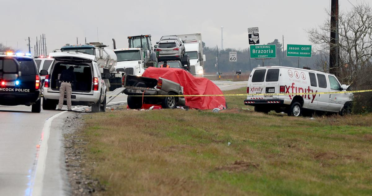 Two killed in head-on FM 2004 crash | Local News | The Daily News