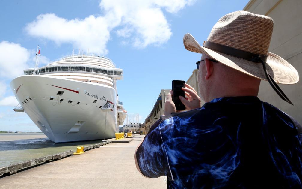 Texas joins Florida lawsuit over cruise shutdown