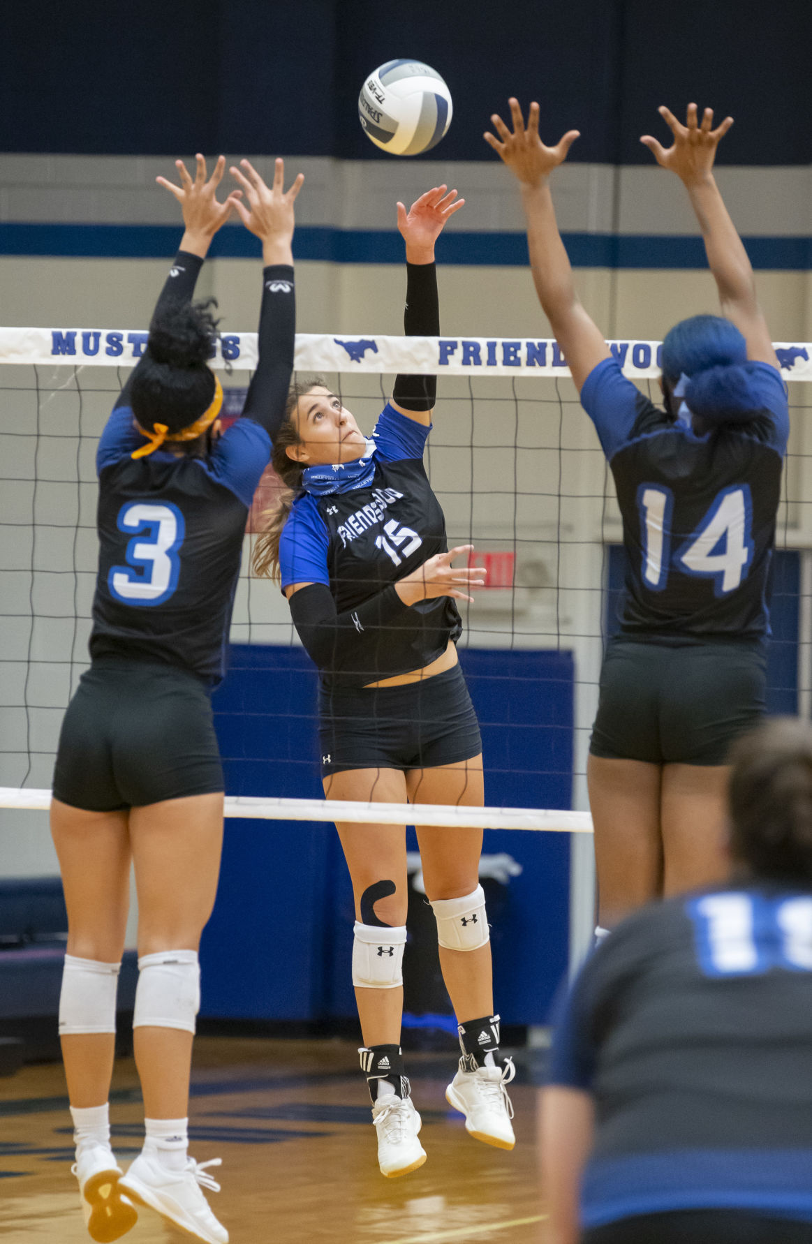 Friendswood vs Dickinson Volleyball