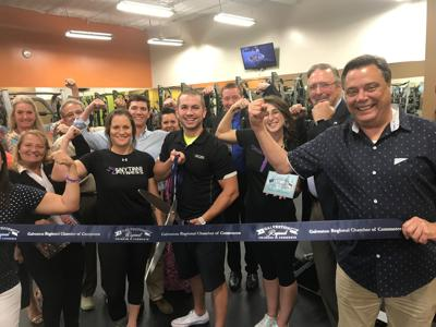 Anytime Fitness ribbon-cutting