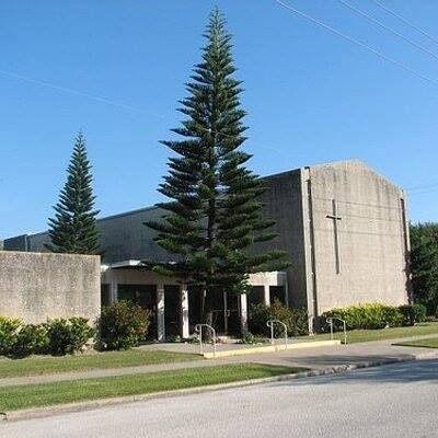Courtesy exterior Central Christian Church Galveston 2.jpg