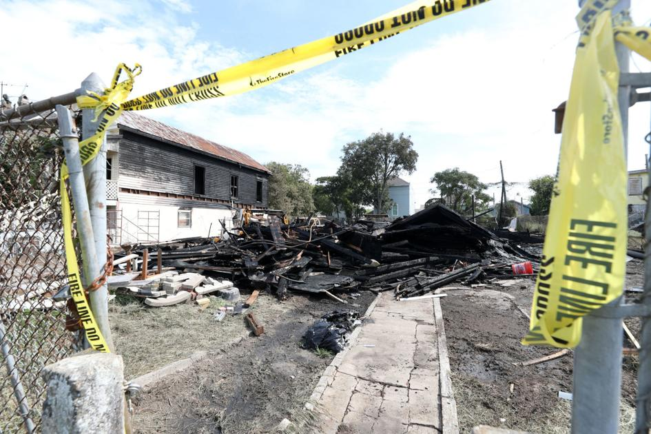 Fire marshal probes cause of blaze that destroyed historic Galveston house