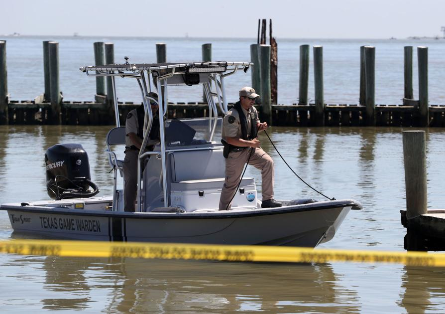 Vessels to search for Kemah police chief into night