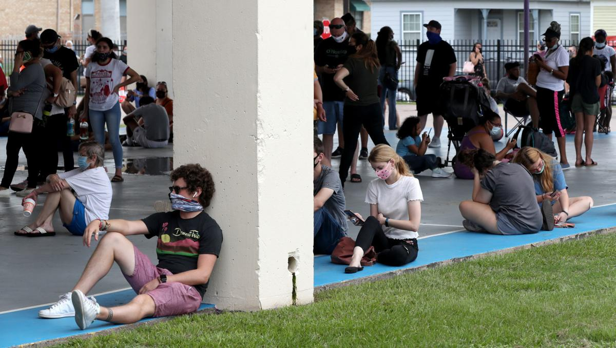 Walk-up coronavirus testing draws hundreds in Galveston