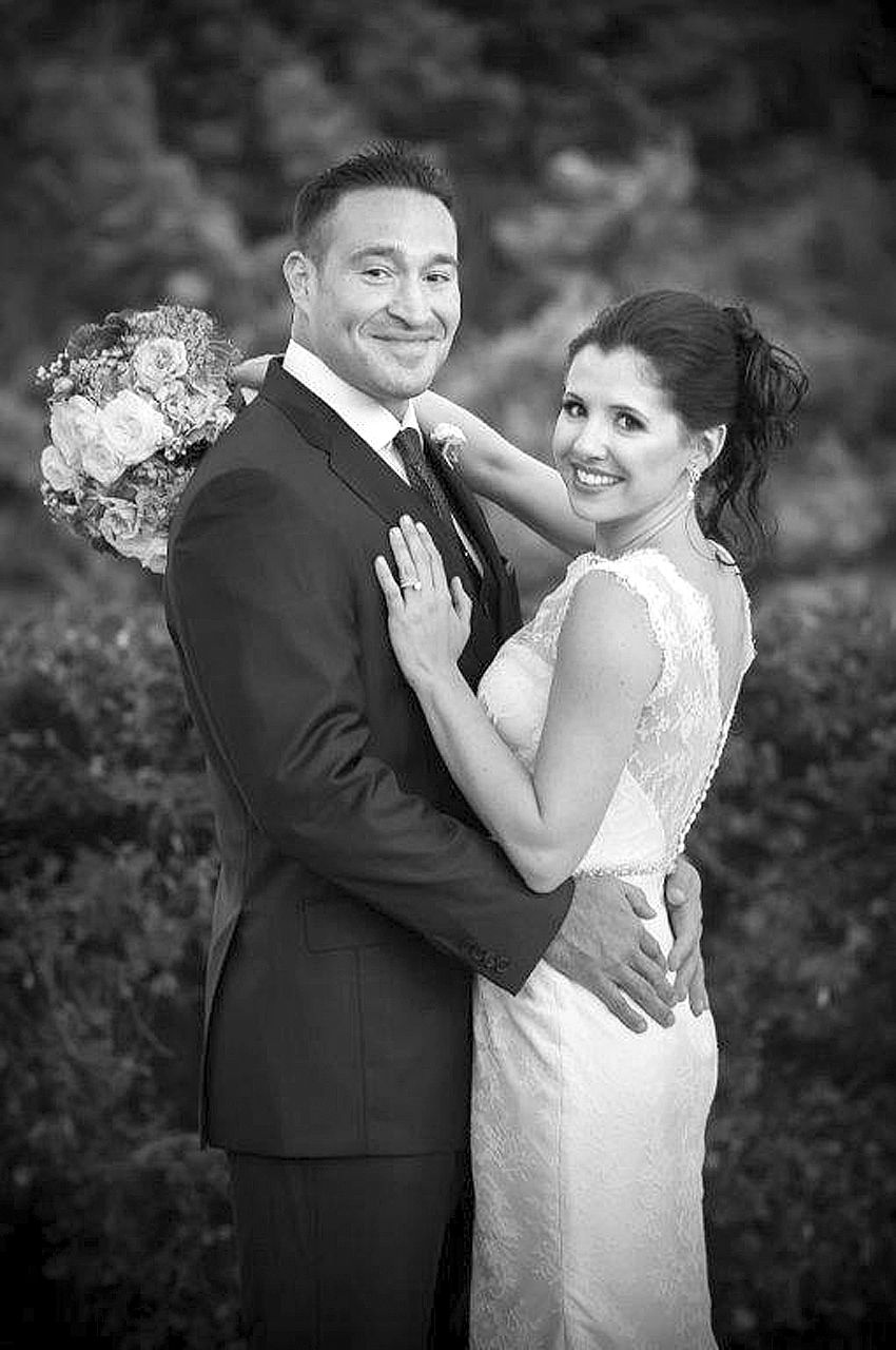 Corinne Sheehan Weds  Dr. Omar Cantu