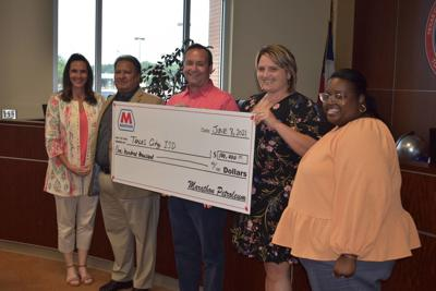 Marathon Petroleum Foundation donates to Texas City ISD