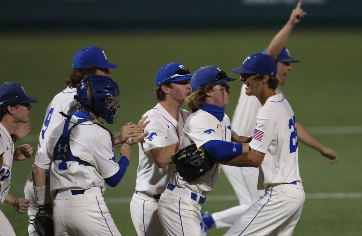 College Station Cougars vs. Friendswood Mustangs
