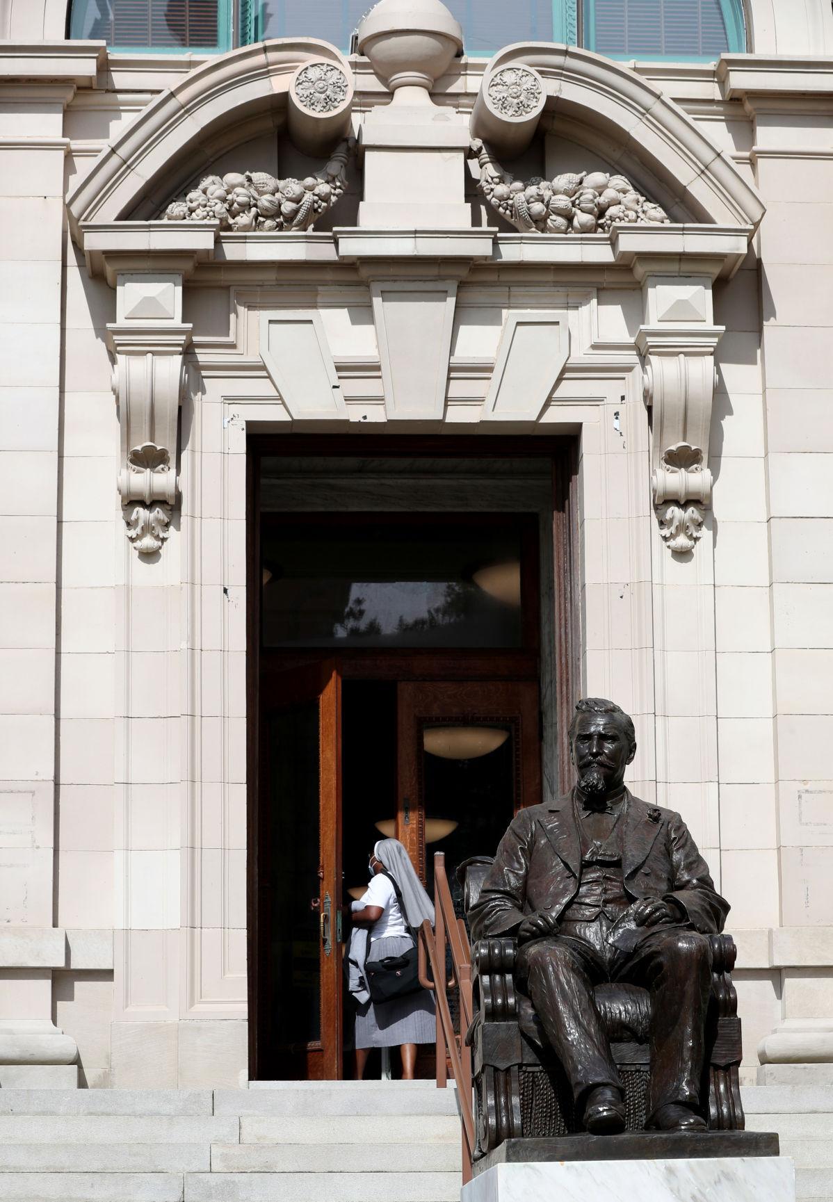 Rosenberg Library funding cap