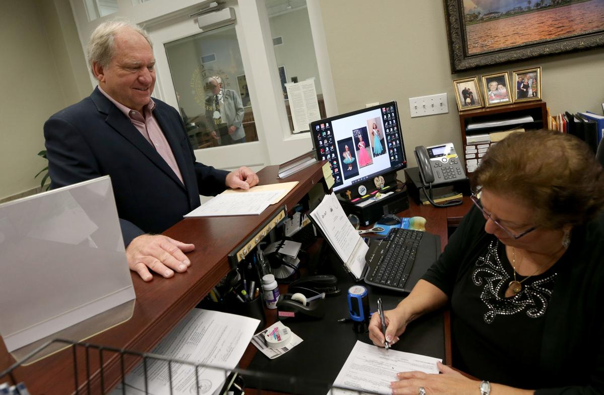 Candidates file for Galveston's mayor's race