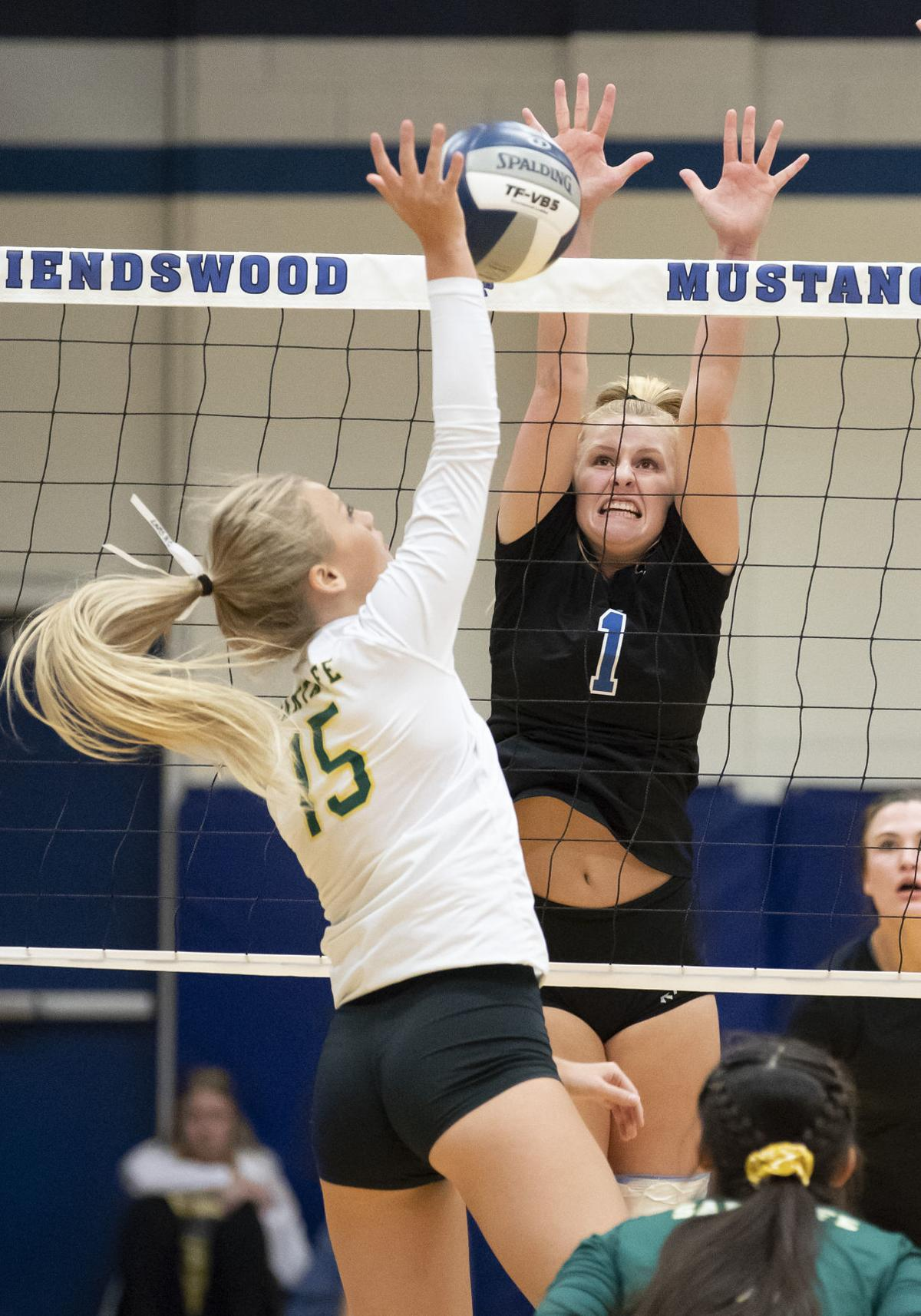 Friendswood vs Santa Fe Volleyball